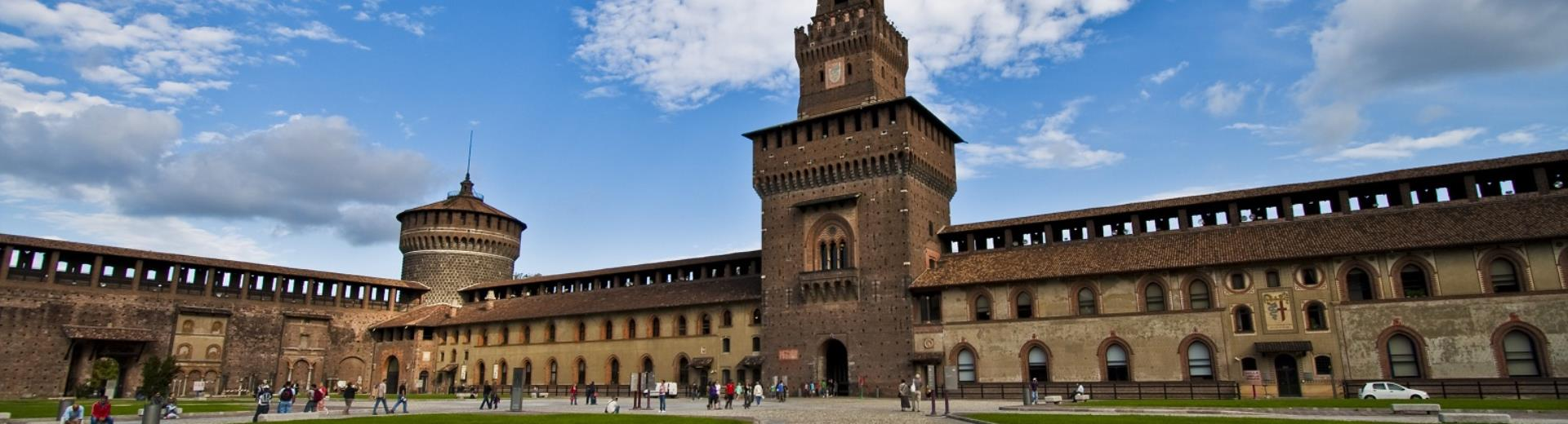 Discover Milan and its beauties: the Castello Sforzesco easy to reach from Hotel Astoria