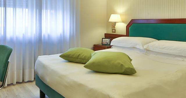 Looking for a hotel for your stay in Milano (MI)? Book/reserve at the Hotel Astoria