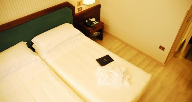 Double room hotel astoria high vision